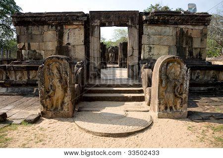 Ancient Buddha Statue  In Polonnaruwa - Vatadage Temple, Unesco World Heritage