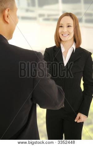 Business Team Hand schütteln