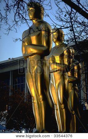 Academia de gran tamaño estatuas de premio