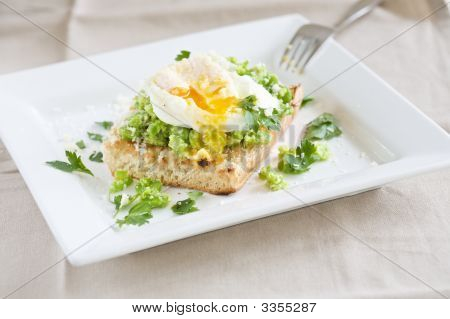 Garden Broad Beans With Poached Egg