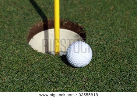 Practicing the putt