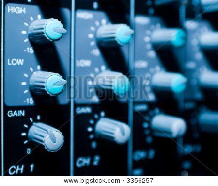 Mixer Sistem Bacground