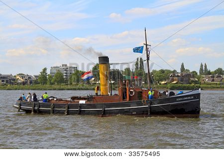 Steam Boat Scheelenkuhlen On The River