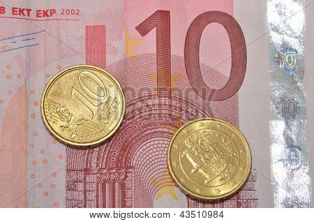 Ten cents on 10 Euro note