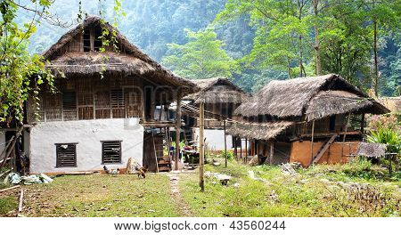 Gothe Bazar - beautiful village on the trek ftom Lukla to Tumlingtar - Nepal