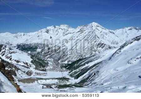 Saas Fee Skiing Resort