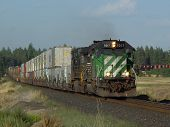 foto of bnsf  - a westbound stack train is led by bnsf 7017 - JPG