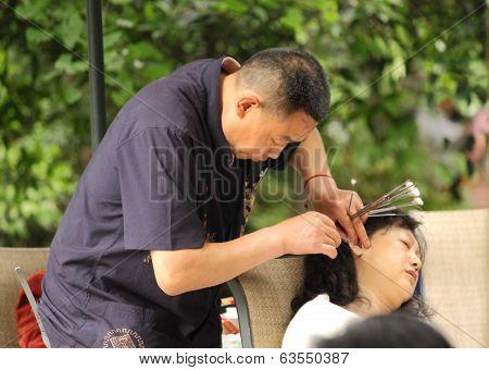 Ear wax cleaning in Chengdu China