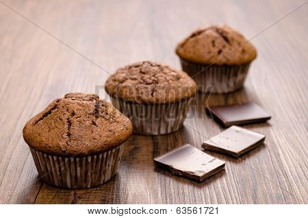 Muffins With Dark Chocolate