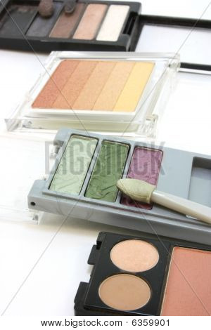 Makeup eye shadow, 4 sets on white background