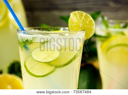 Fresh Lemonade Drink