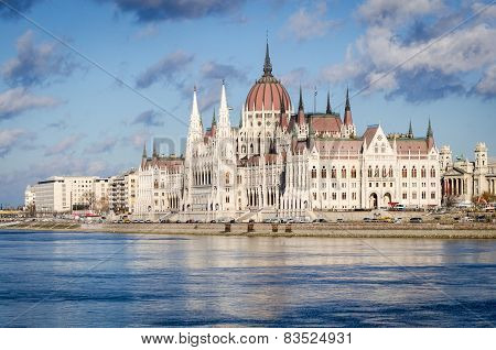 Budapest, Hungarian Parliament And Danube