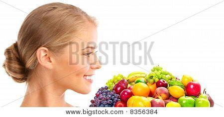 Mulher, legumes e frutas