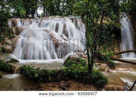 Jungle Falls At Agua Azul, Chiapas Near Palenque. Traveling Mexico.