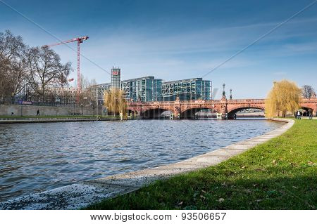 Berlin Hauptbahnhof With Moltke Bridge And River Spree.