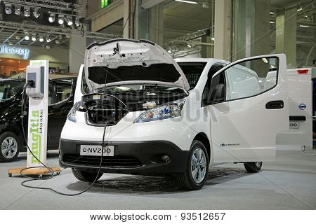 Nissan Electric Van E-nv200 Charging Battery