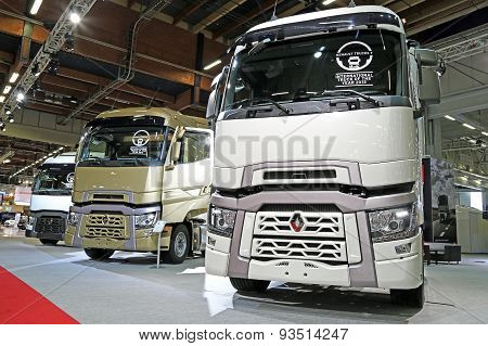 Renault Range T Trucks With High Sleeper Cab