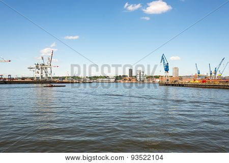 Hamburg harbor basin with view to Altona