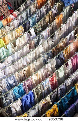 Washing drying at Mahalaxmi Ghat