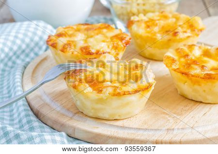 Macaroni And Cheese Baked As A Little Pies