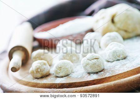 Raw Dought