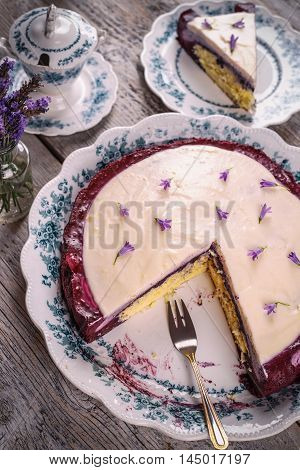 Cake With Cream Cheese