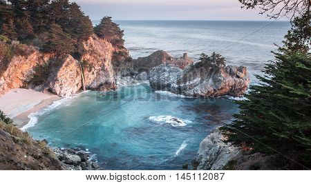 McWay Falls, Julia Pfeiffer Burns State Park, Big Sur, California, USA