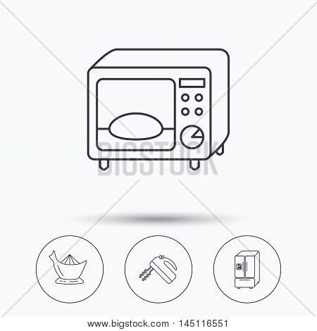 Microwave oven, American style fridge and blender icons. Juicer linear sign. Linear icons in circle buttons. Flat web symbols. Vector