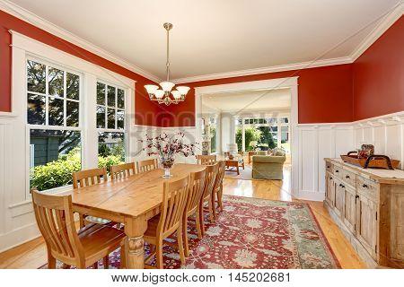 Red Tones Interior Of American Classic Dining Room