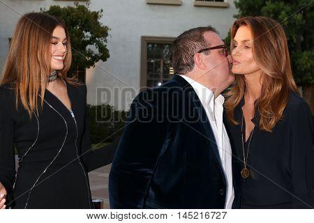 LOS ANGELES - AUG 31:  Kaia Gerber, Sean Hanish, Cindy Crawford at the