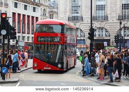 Piccadilly Circus Bus