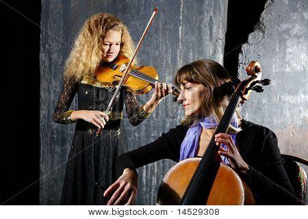 ?ello And Violin Musicians