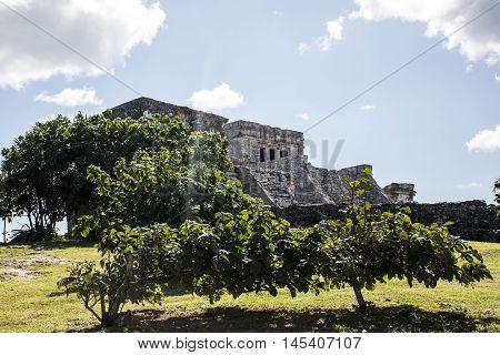 Mexico yucatan Tulum maya ruins Temple Oceanside 2