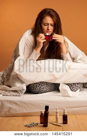 Illness Flu - Ill Woman Drink Tea In Bed