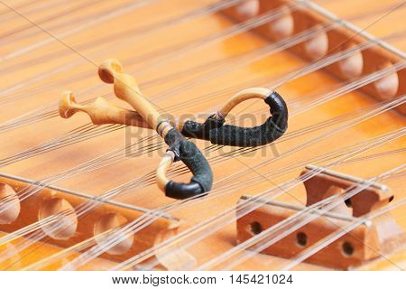 dulcimer stringed musical instrument with hammer