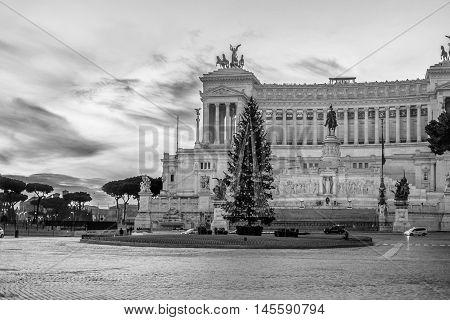 Italy, Rome, Altare della Patria Vittoriano - It was 13/12/2015 and this is a representation of Vittoriano in black and white