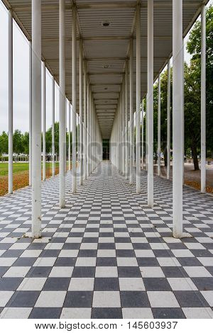 Architecture Checkerboard Floar Columns Leading Line Perspective Illusion