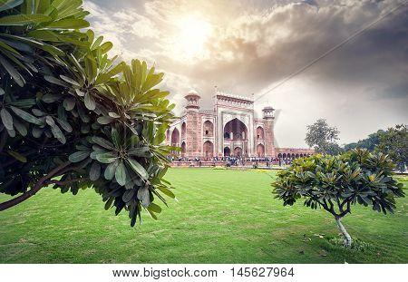 Great Gate Of Taj Mahal At Beautiful Sky In India