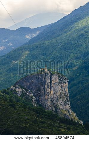 A church sitting on the top of a cliff of the Verdon chasm, France