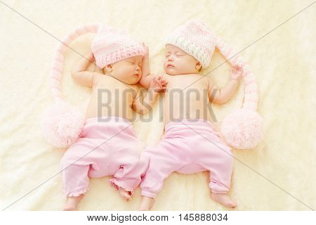 Sleeping Sweet Twins