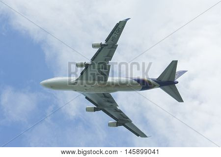 Hs-tgh Boeing 747-400 Of Thaiairway  Take Off