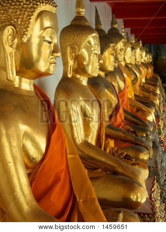 Golden Sitting Buddha Statues