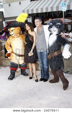 LOS ANGELES - OCT 23: Salma Hayek; Antonio Banderas at the premiere of Dreamworks 'Puss In Boots' at the Regency Westwood Theater on October 23, 2011 in Los Angeles, California