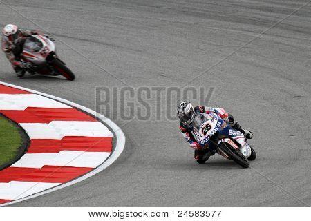SEPANG, Malásia - 22 de outubro: piloto de 125cc Maverick Vinales (25) concorre na sessão de qualificação