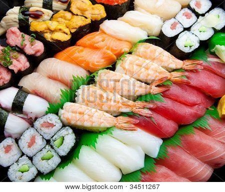 Sushi arranged diagonally