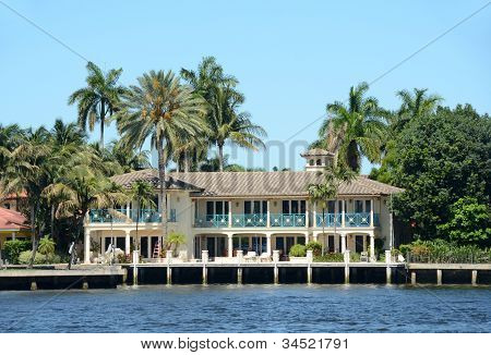Luxury Waterfront Home In Florida