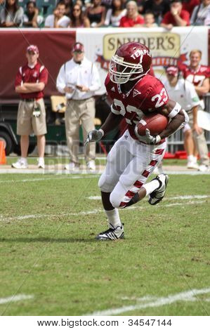 Temple Wide Receiver James Nixon #23 breaks away for a touchdown