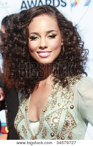 LOS ANGELES - 28 de junho: Alicia Keys no BET Awards de 2009 realizada no Shrine Auditorium em Los Angele