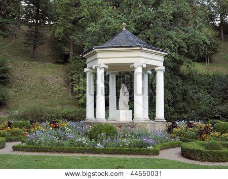 Pavillon At Schloss Belvedere