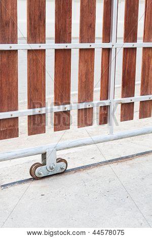 Casa porta de correr com porta roda ao ar livre